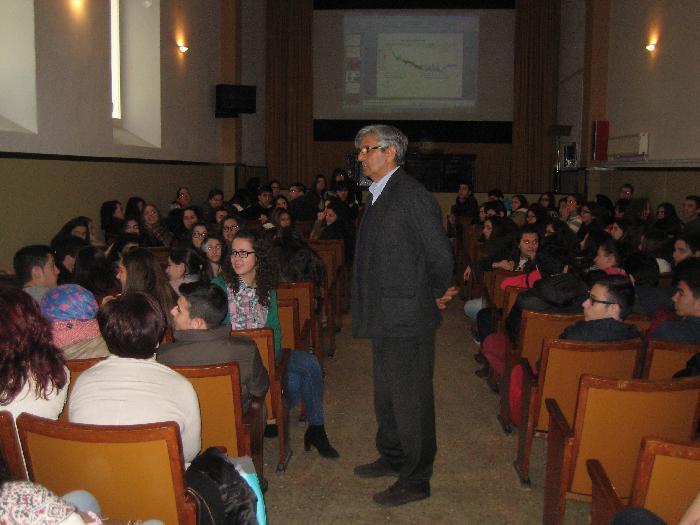 Sobre la conferencia del Dr. Campillo